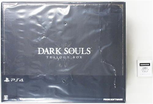 DARK SOULS TRILOGY BOX 【PS4】